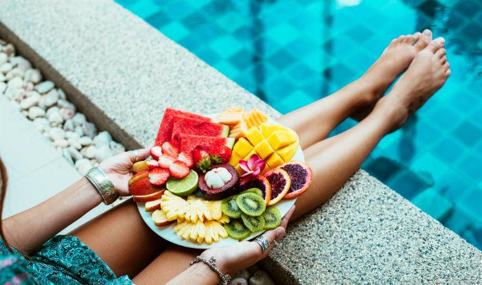Што НЕ треба да јадете пред пливање?
