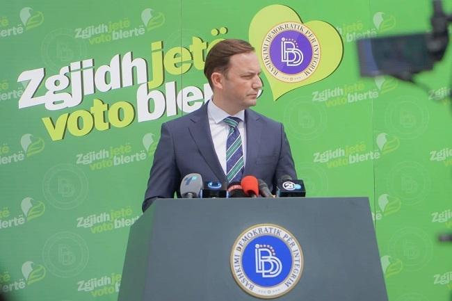 Ќе се запрепастите од слоганот на ДУИ за локалните избори!