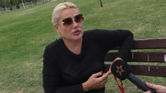 Македонската пејачка со низа навреди за свој колега: Ваков изрод досега немам видено (ВИДЕО)
