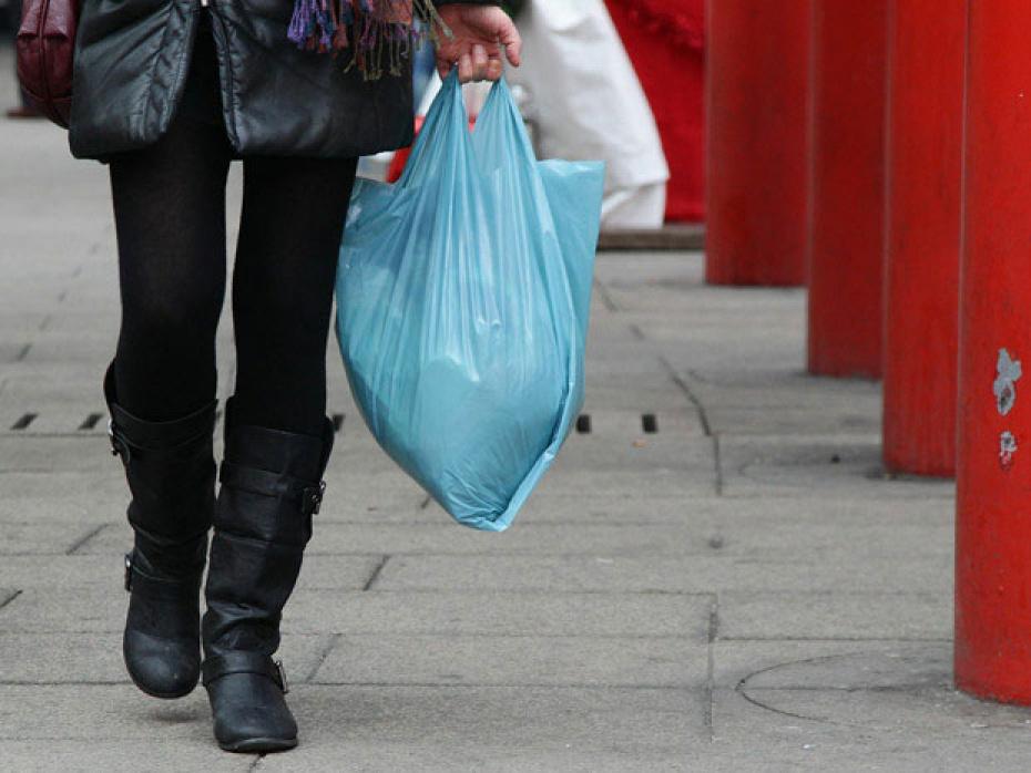 Oд 1 декември најлонските ќеси во продавница ќе чинат 15 денари по парче!