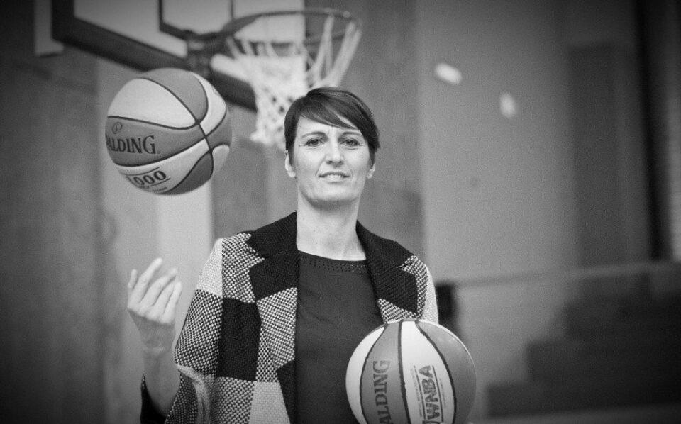 ТРАГИЧНА ВЕСТ: На само 51 годишна возраст почина познатата кошаркарка Жана Лелас